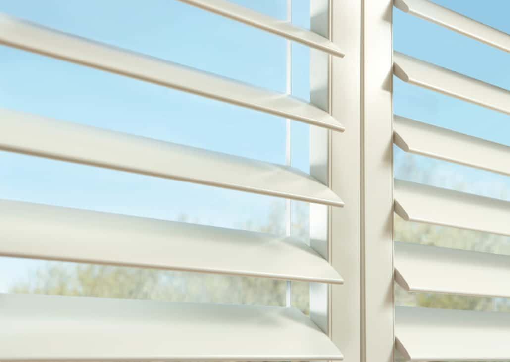 Hunter Douglas NewStyle Shutters Hardware Detail